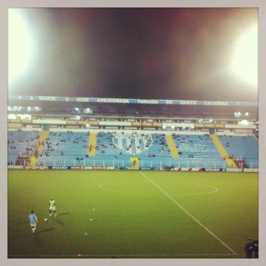 Ressacada: 15 minutos antes de começar a partida. Foto: Gilberto Rateke Jr.